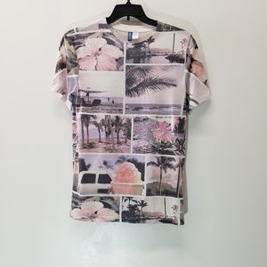 Divided by H&M Beach Themed Tee Size XS